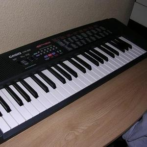 Продам синтезатор Casio CTK-200